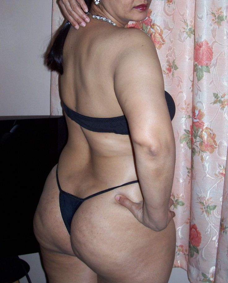 Indian aunty ass show