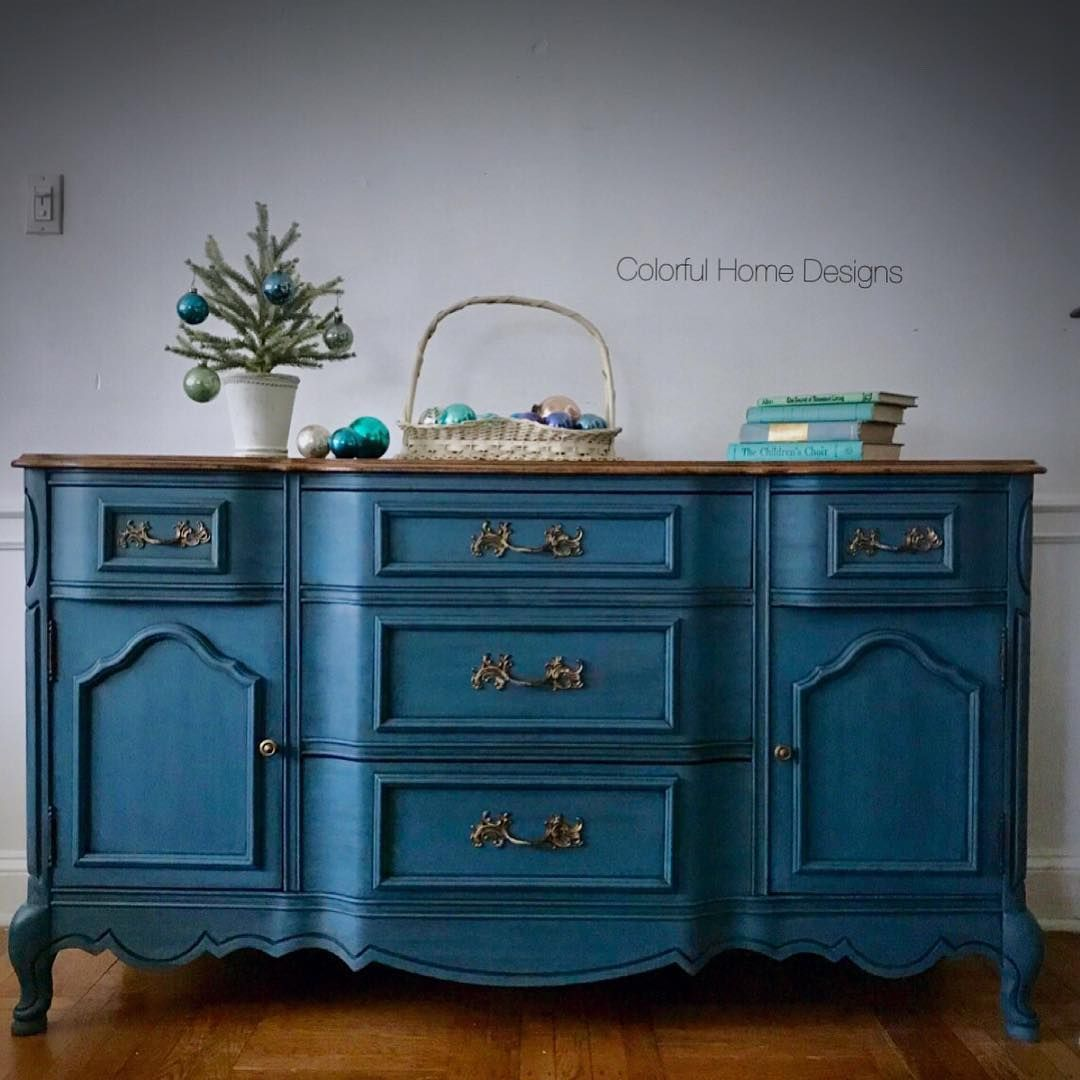 2 Coats Of Aubusson Blue Then A Graphite Wash Followed By Clear Dark Black Wax Painting Furniture Diy Annie Sloan Chalk Paint Colors Blue Furniture