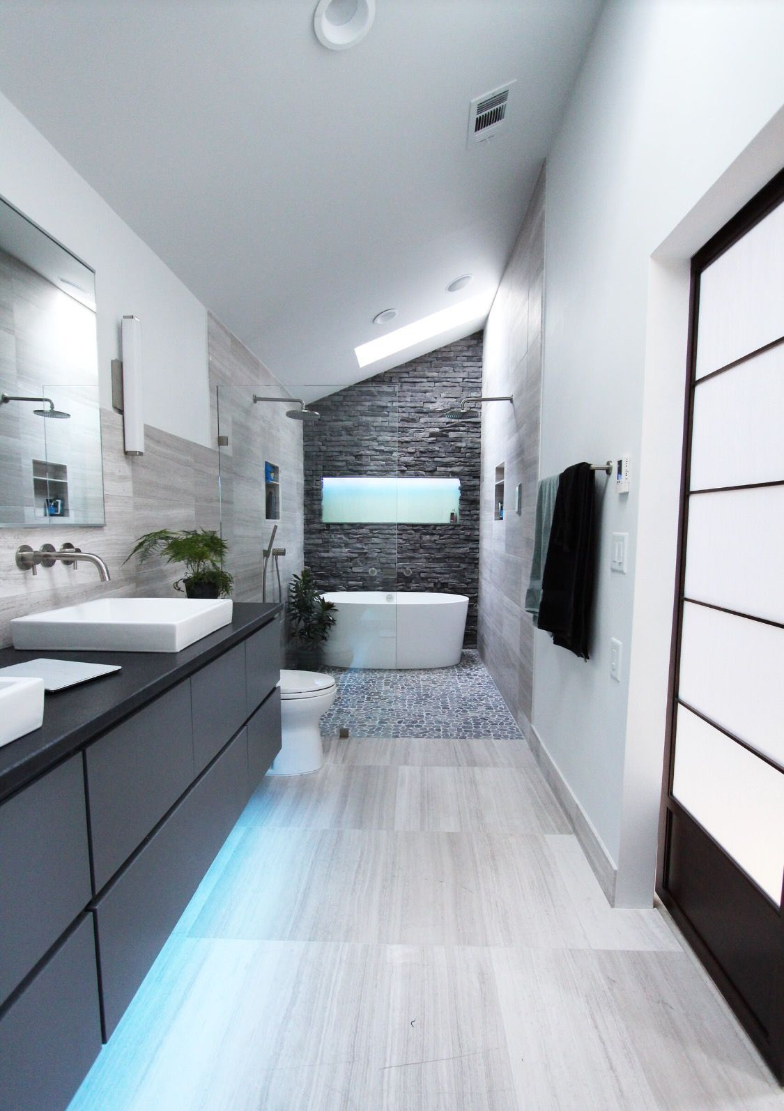 What do you think about this shower enclosure with the freestanding ...