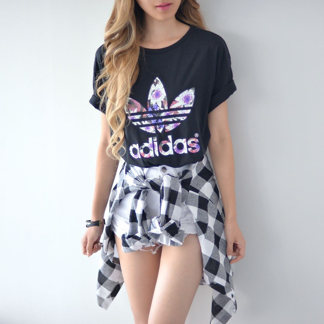 Flannel outfits around waist  Great for the fall but o so cute when tied around your waist One