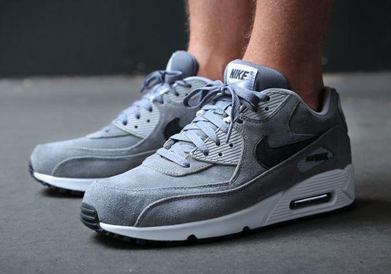 Nike Air Max Essentiels Pompes Daim Gris