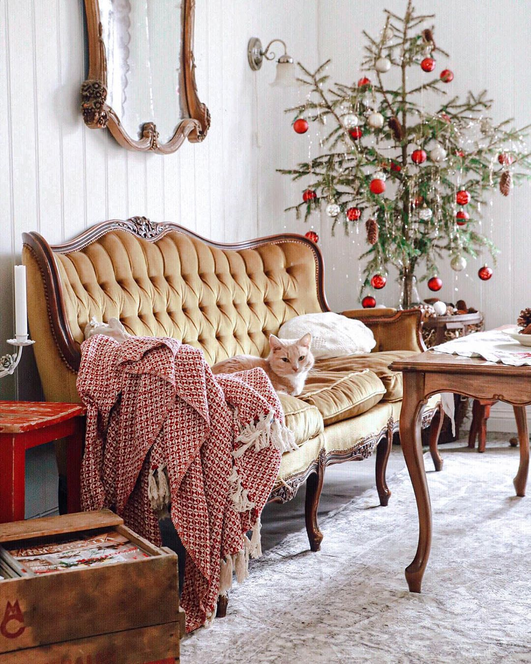 Katrine Pedersen Haakon On Instagram Etter At Jeg Begynte A Jobbe Pa Land I Vares Fra Bysse Mice En Pla Cottage Living Rooms Cottage Living Living Room