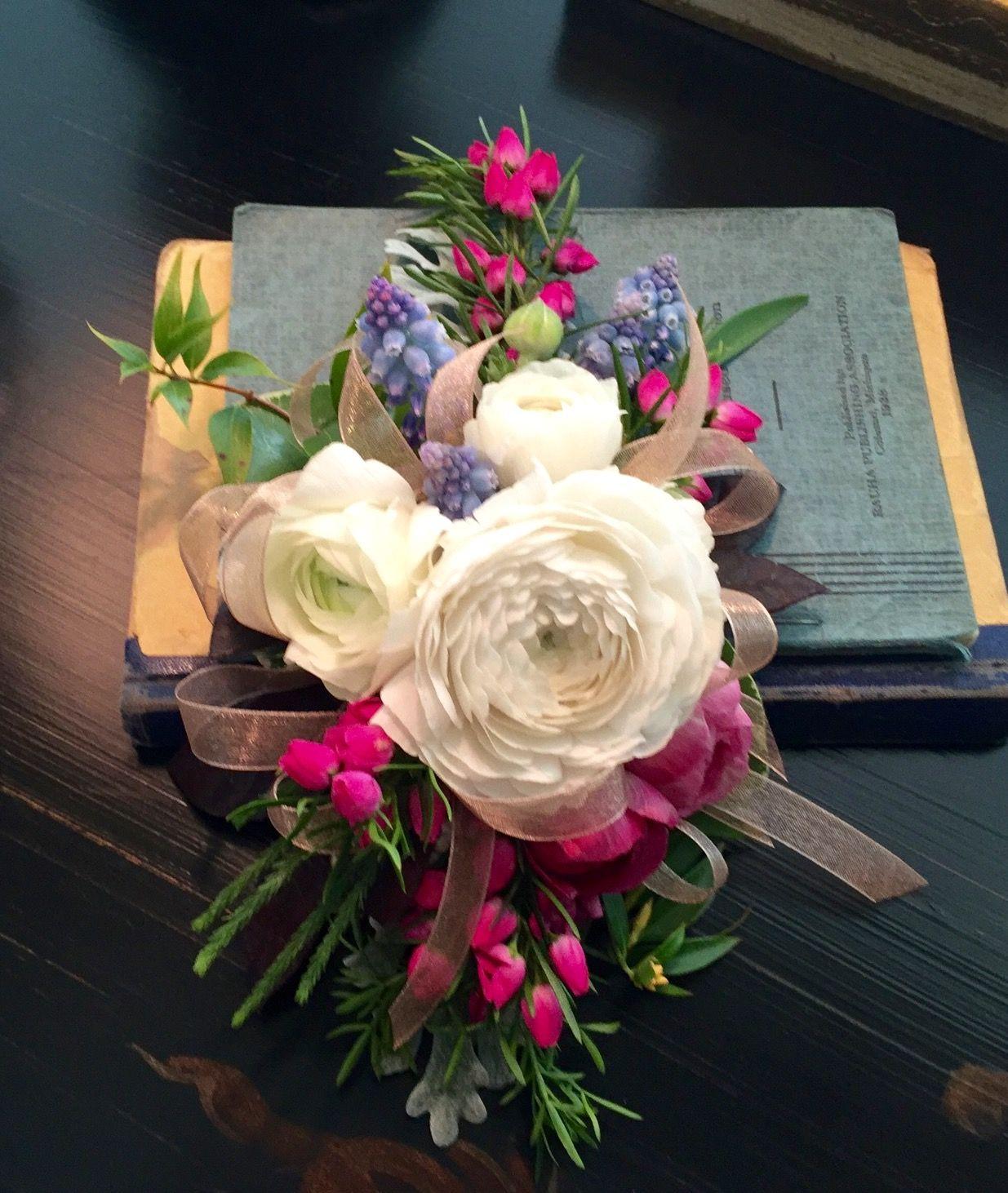 Ranunculus for grams wrist her 80th birthday will be a celebration her 80th birthday will be a celebration to remember kukittaa give flowers in rowlett tx izmirmasajfo