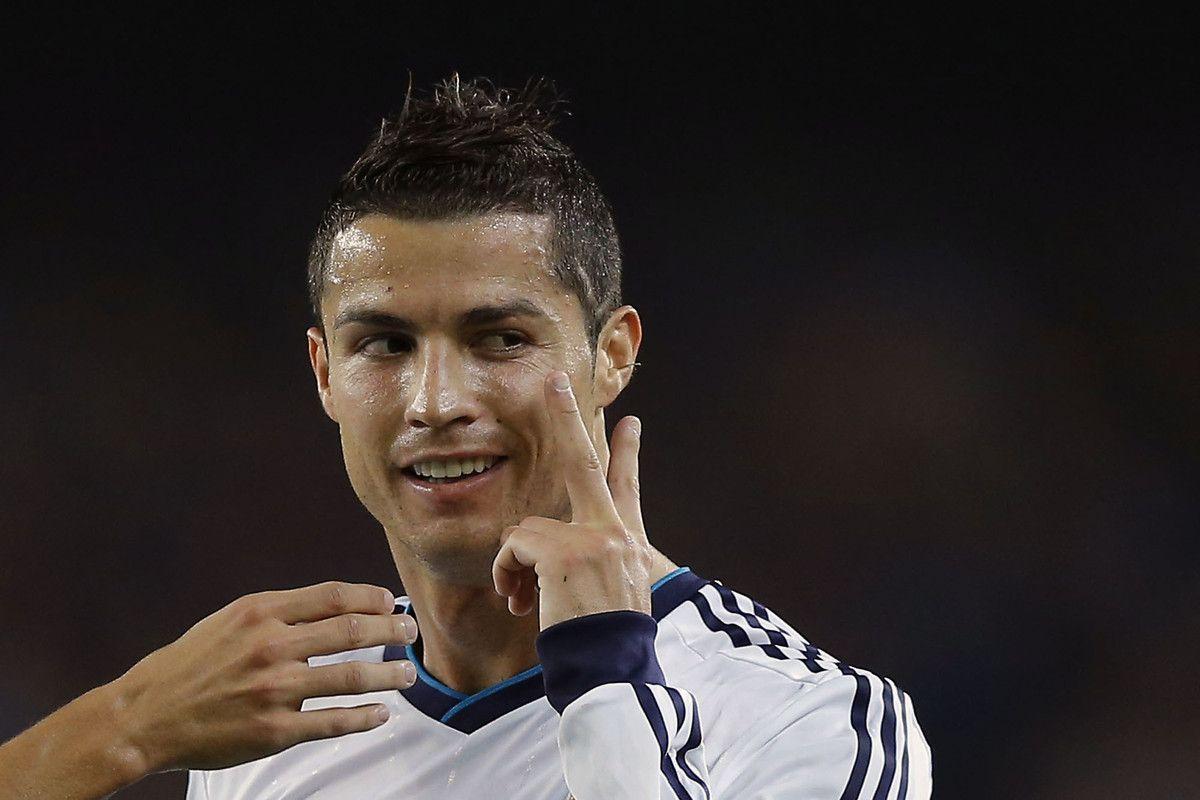 V For Victory Cristiano Ranaldo Cristiano Ronaldo Hairstyle Cristiano Ronaldo Haircut Ronaldo