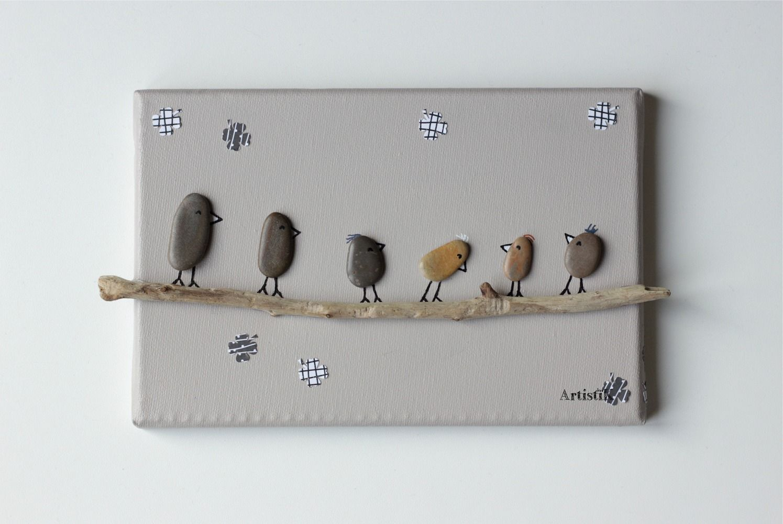 Tableau galets oiseaux bois flott fond beige famille ados for Tableau bois flotte