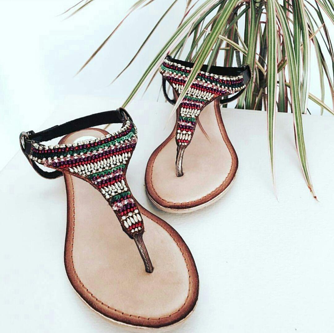 ¡Rebajadas! Cómodas y estilosas  sandalias hippie chic para tus looks más  veraniegos. De Gioseppo. b155106a2db