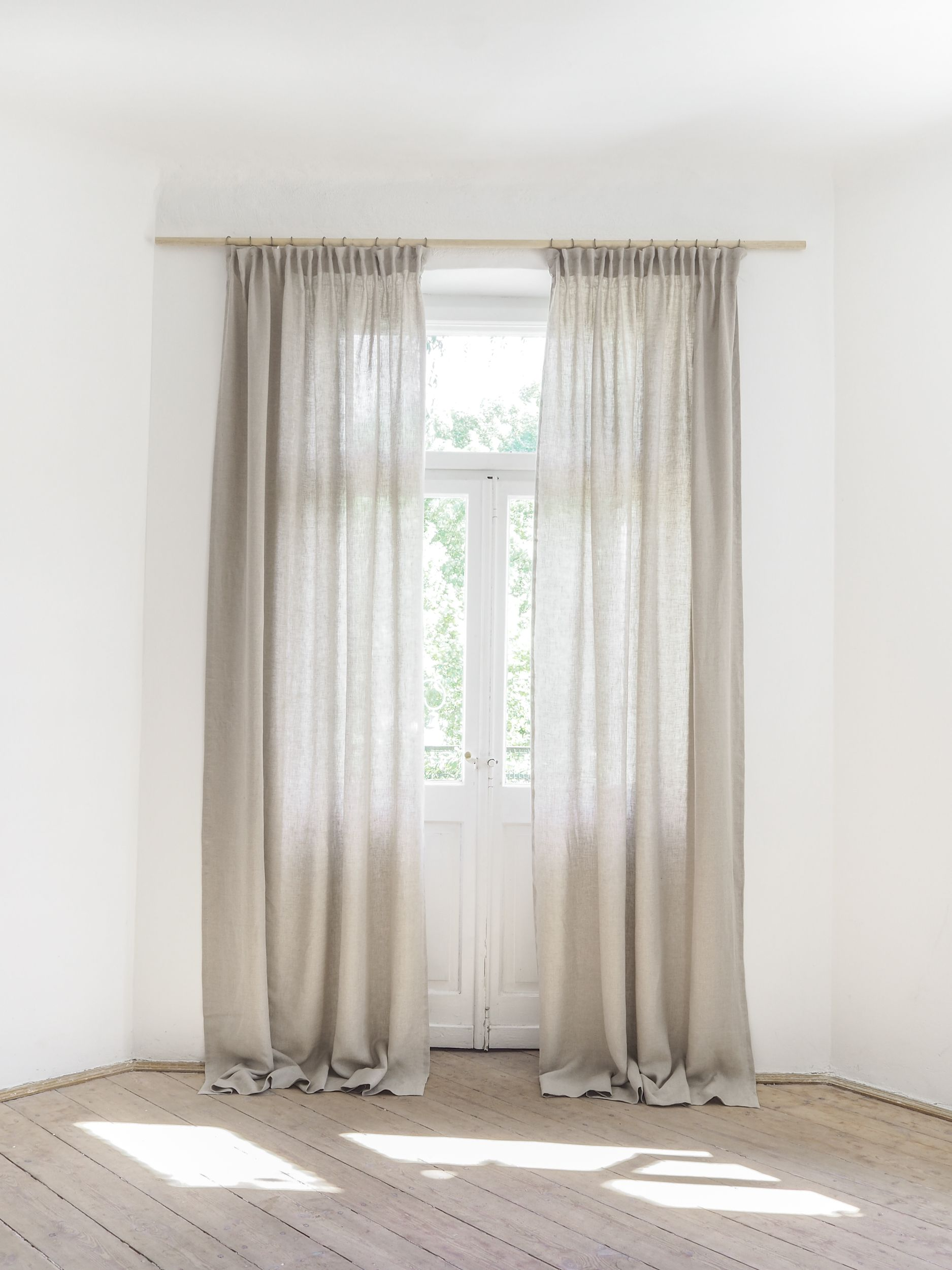 Linen Curtain With With Pencil Pleats Or Pleating Tape Pencil