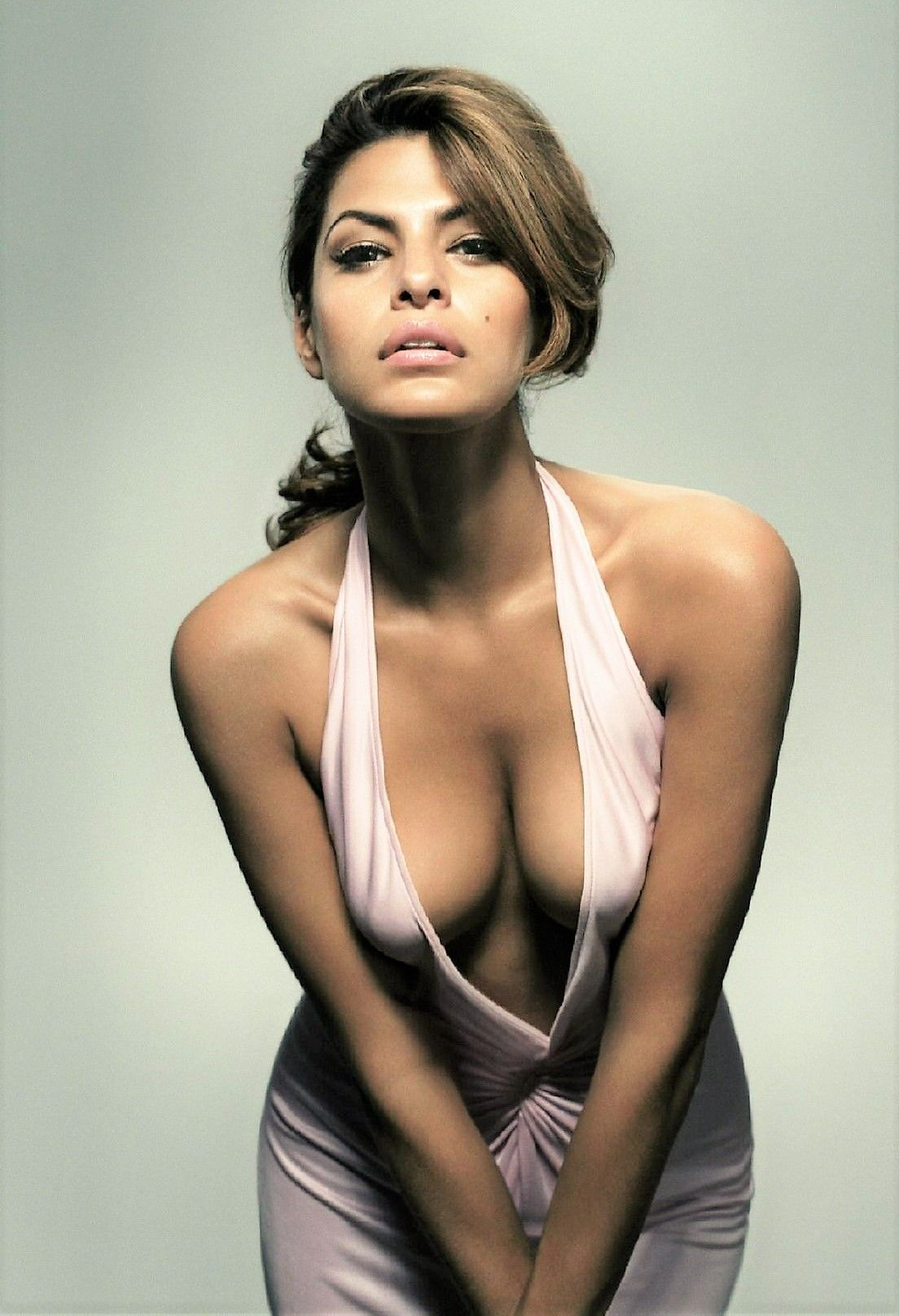 butt Cleavage Eva Mendes naked photo 2017