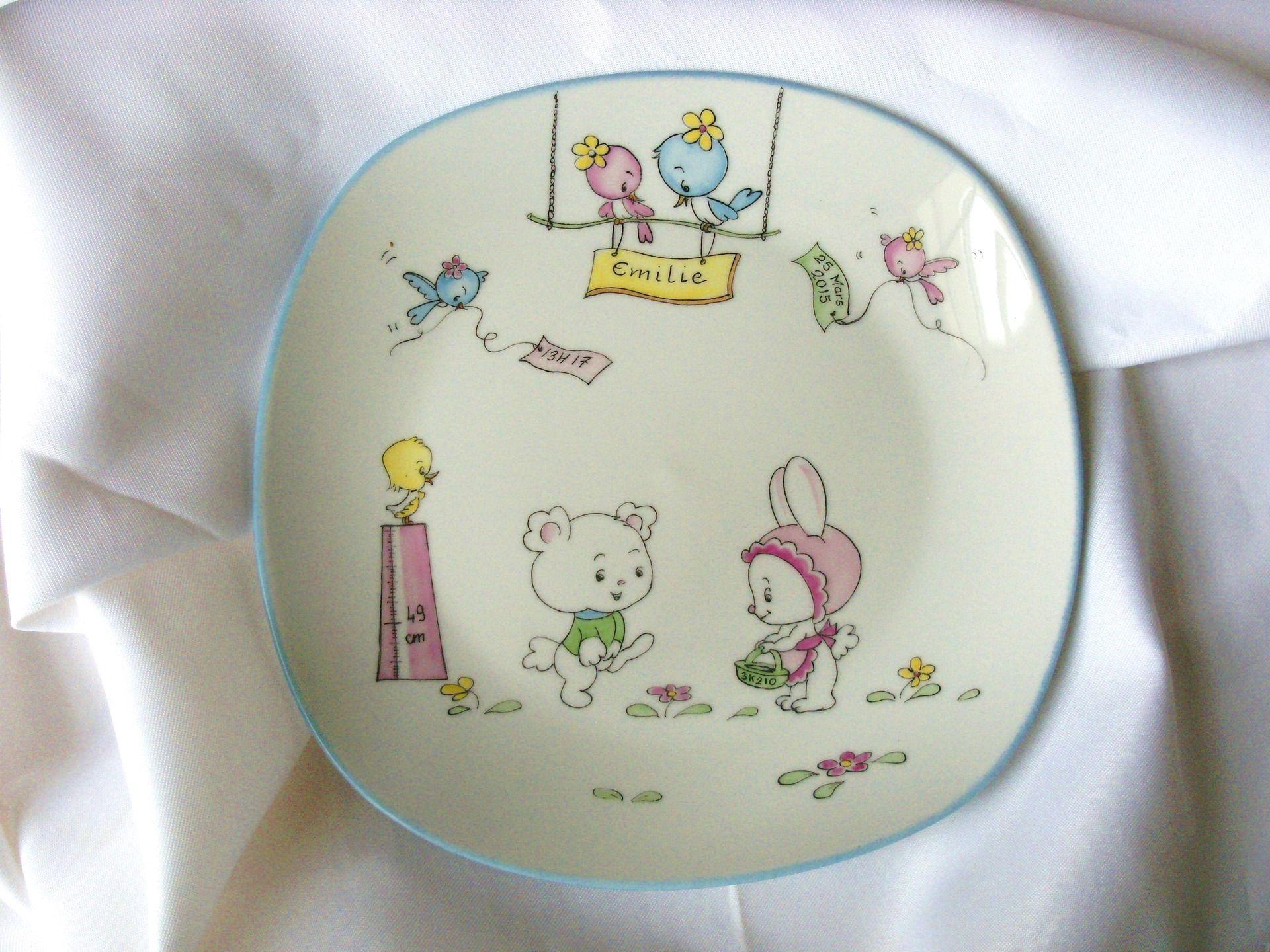 cadeau de bapt me ou naissance assiette personnalis e en porcelaine peinte la main. Black Bedroom Furniture Sets. Home Design Ideas