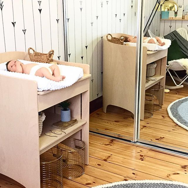 Sorry it's taken me so long but I've had a lot of people wanting to see the matching change table to my @leander_furniture cot that I ordered through @danish_by_design. So hear it is  I've also got the set of drawers but in white (which is also divine and can be seen in earlier posts) #nurseryinspiration #babydash #leander