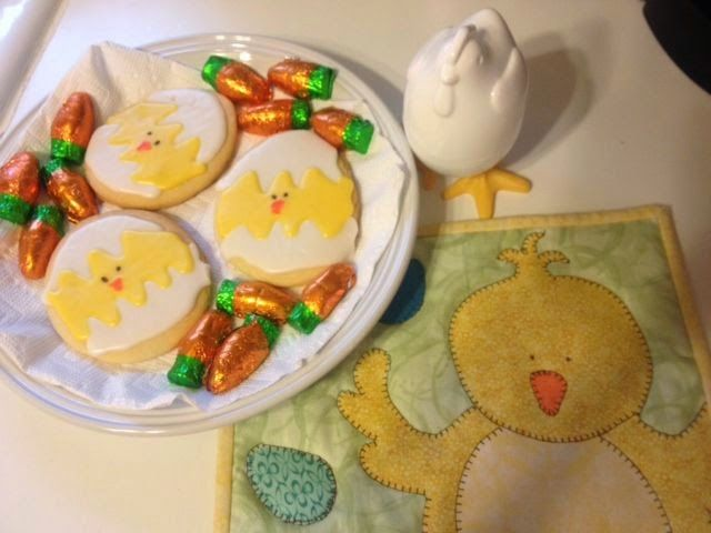 Chick sugar cookies and mug rug