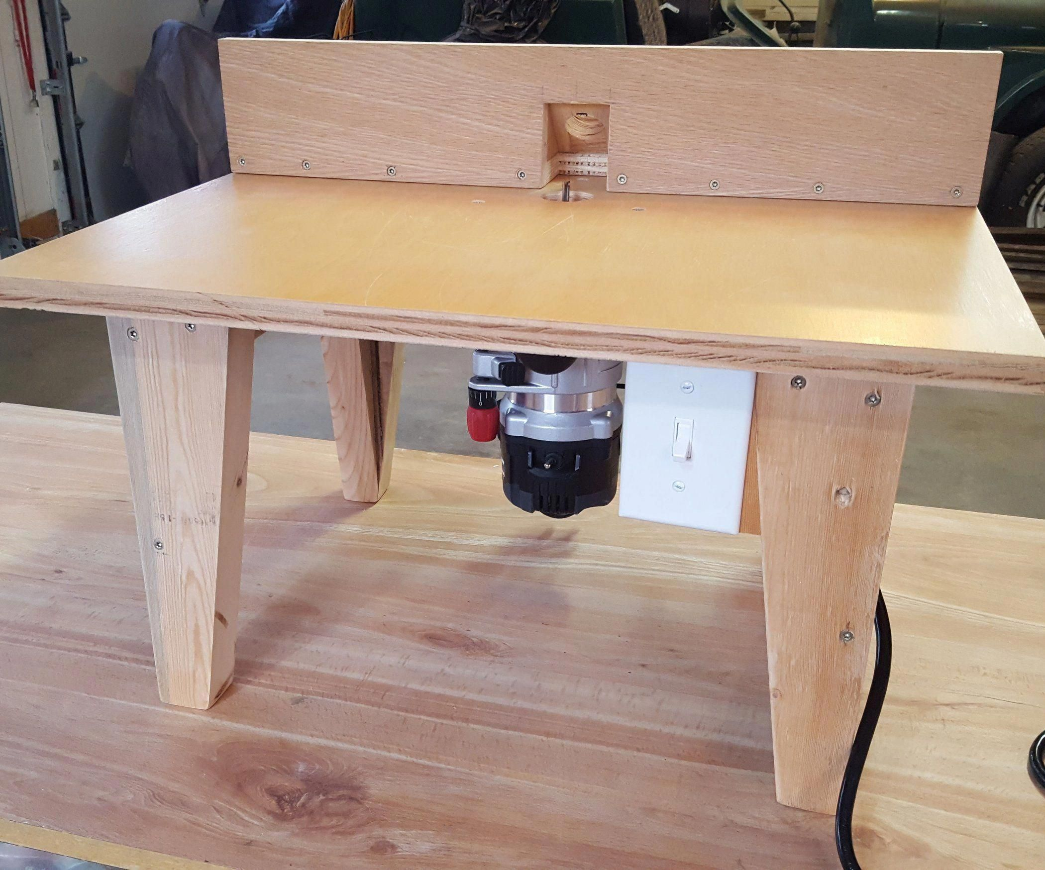 A Moving Table Will Be A Guaranteed Asset To Your Woodworking Shop Offered In 4 Sizes And In 2020 Simple Woodworking Plans Woodworking Projects Diy Woodworking Table