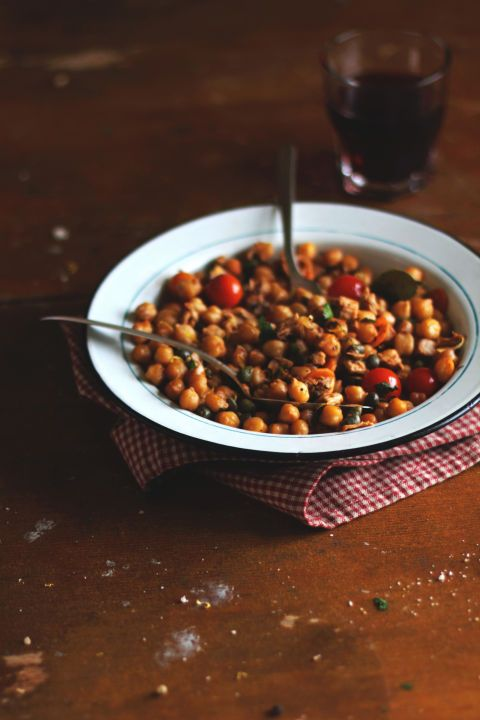 Roasted Chickpeas: For a satisfying crunch, chickpeas should be toward the top of your snack list, because they're loaded with fiber and protein.