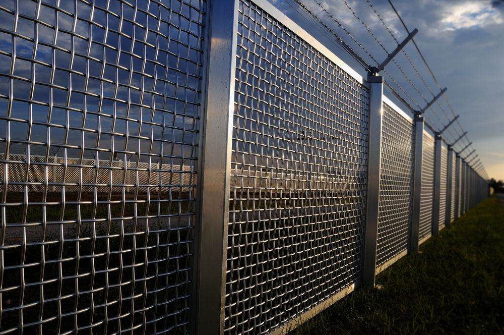 High Security Fences By The Norlap Fencing Company In