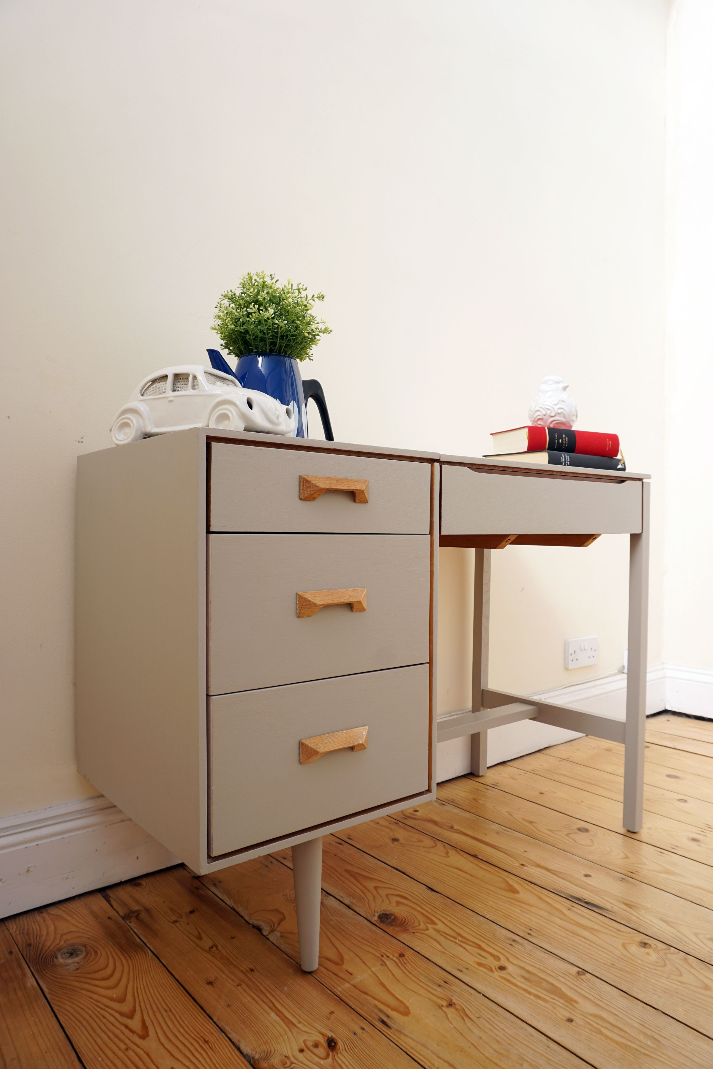 STAG dressing table painted in Laura Ashley s pale french grey