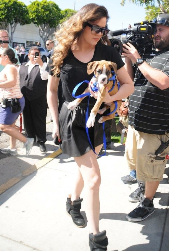 Kim, Khloe and Kourtney Kardashian and Khloes new puppy shop at Bel Bambini