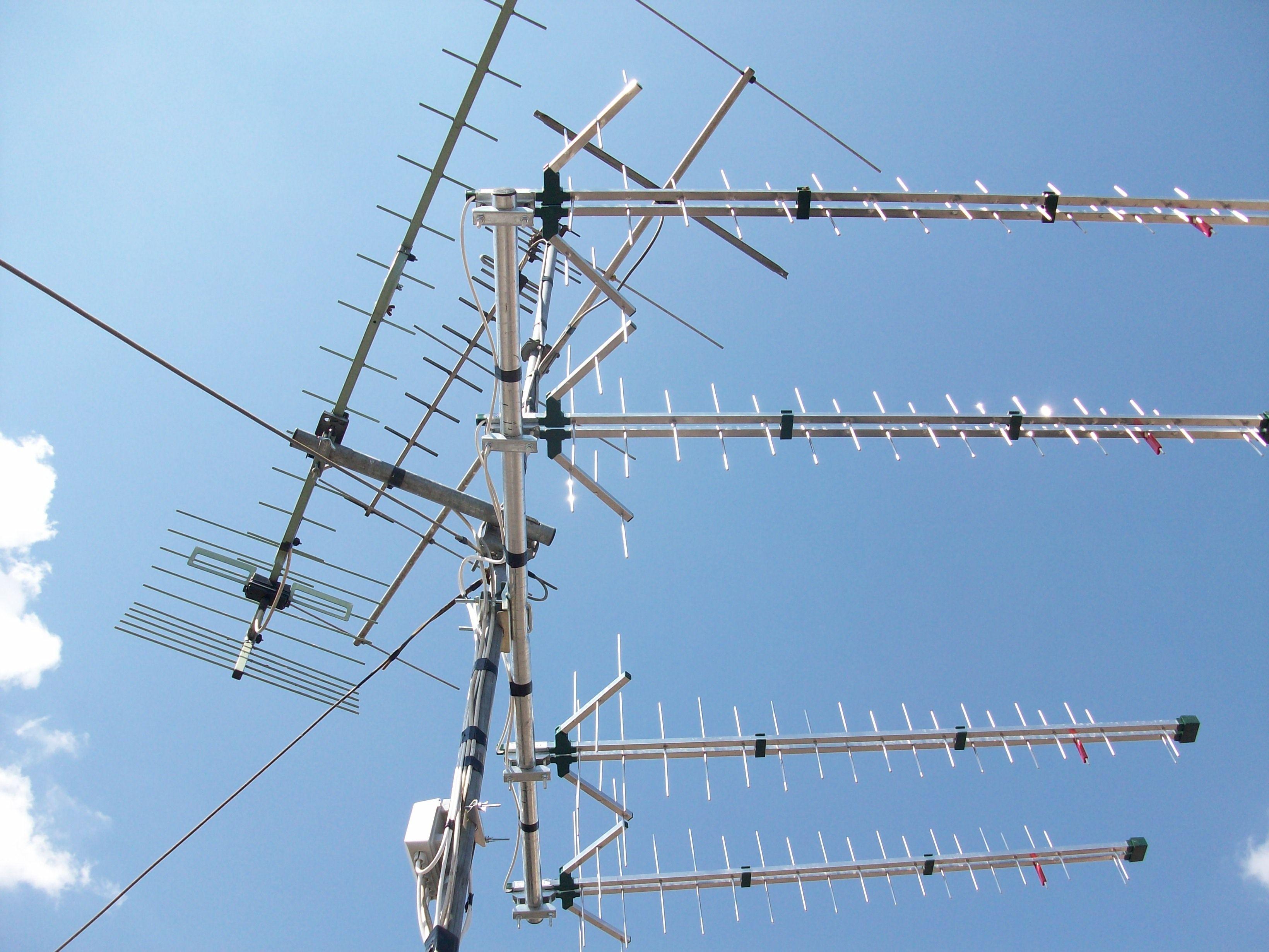 Un esempio, inviato da un gentile cliente, circa l'accoppiamento delle antenne Logaritmiche UHF che ovviamente trovate in esclusiva alla Skylink.