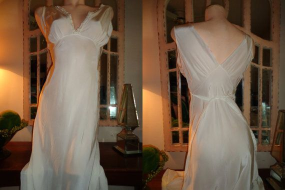Vintage Rare Hand Made White1930s Gown  Bias Silk by DixieDallas, $159.99