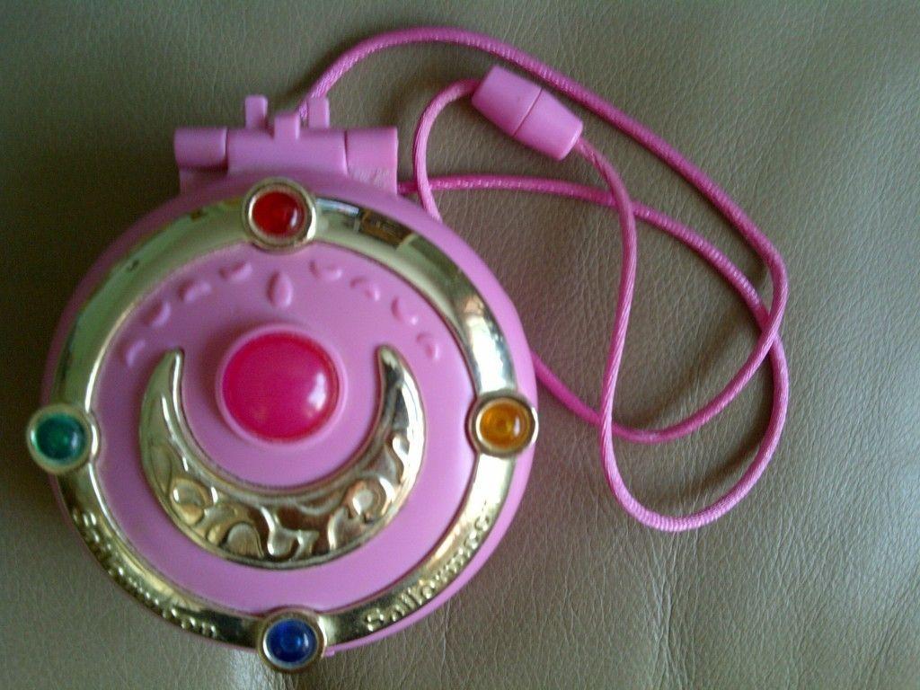Sailor Moon Light Up Compact Brooch 1995 Bandai | eBay