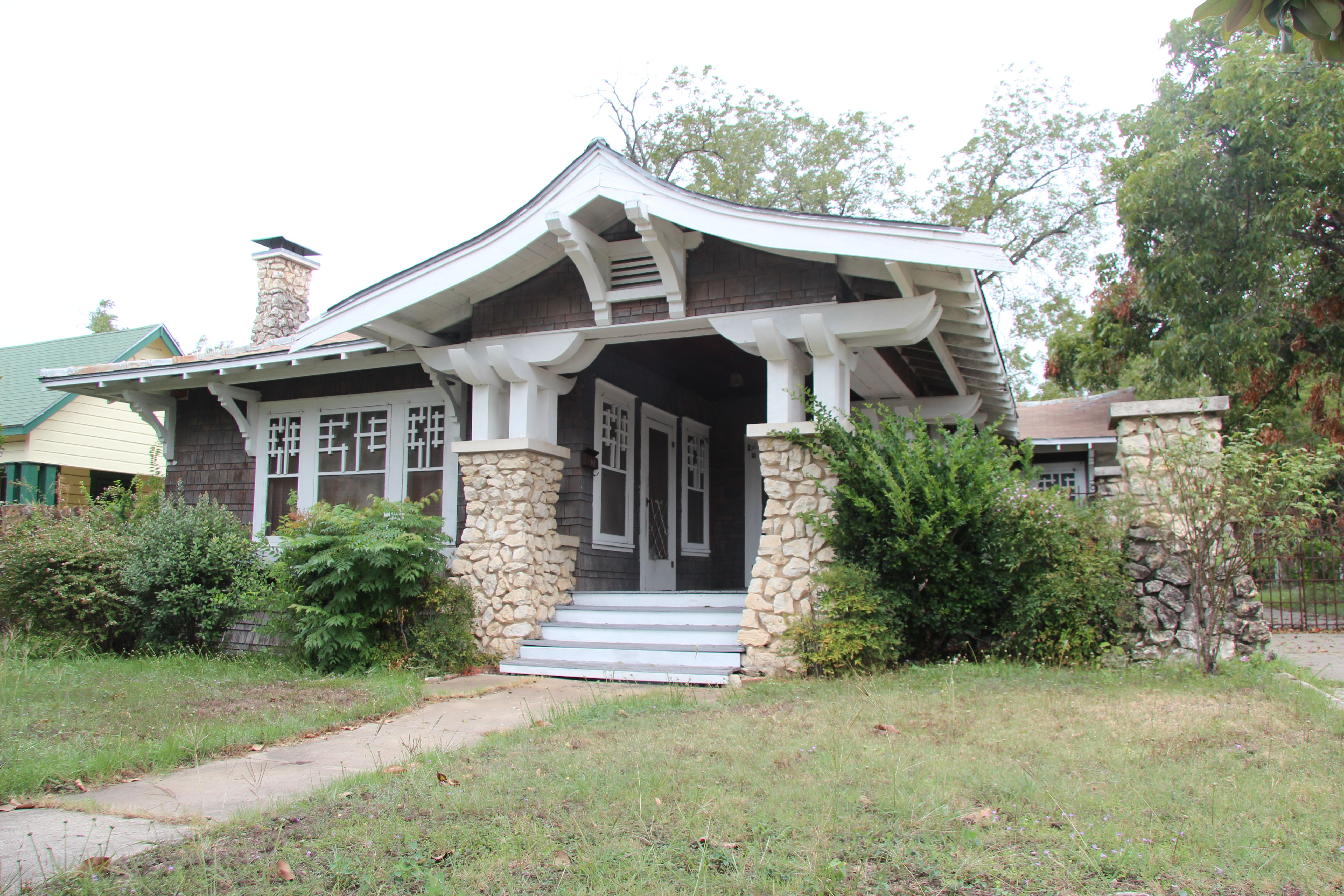 Asian Style airplane bungalow in San Antonio. I grew up
