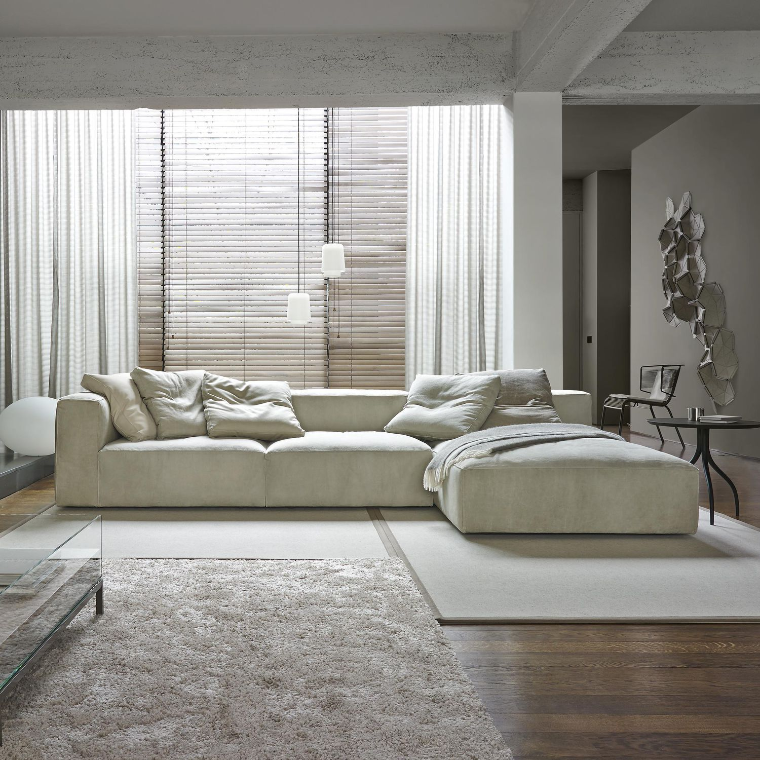 Design Salontafel Ligne Roset.Contemporary Leather Nils Ligne Roset Couch Upholstery