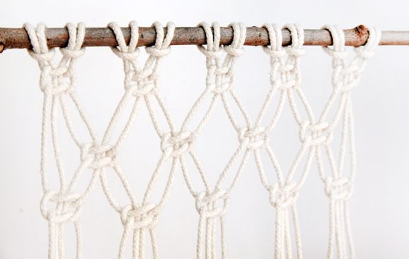 how to macrame and create a wall hanging kn pfen knoten und h ngematte. Black Bedroom Furniture Sets. Home Design Ideas