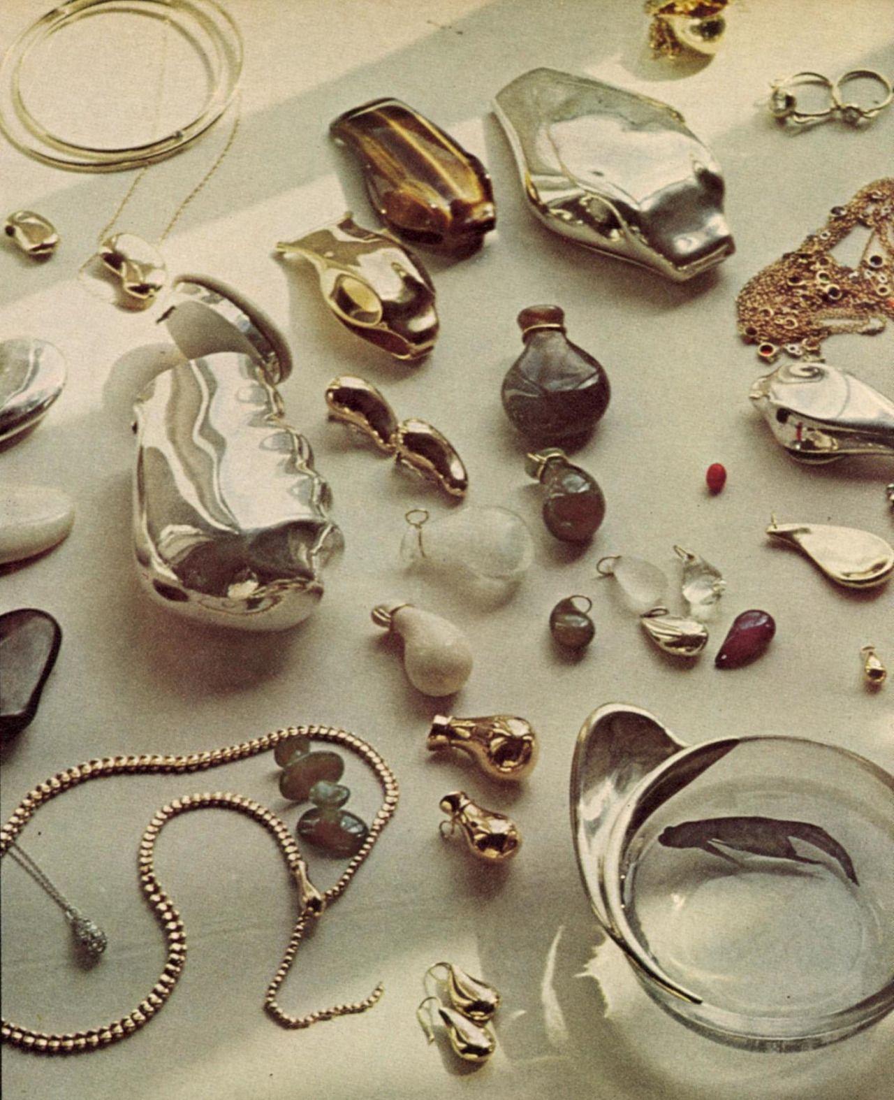 c70d62054 US Vogue December 1974 - Elsa Peretti   Things   Jewelry, Elsa ...