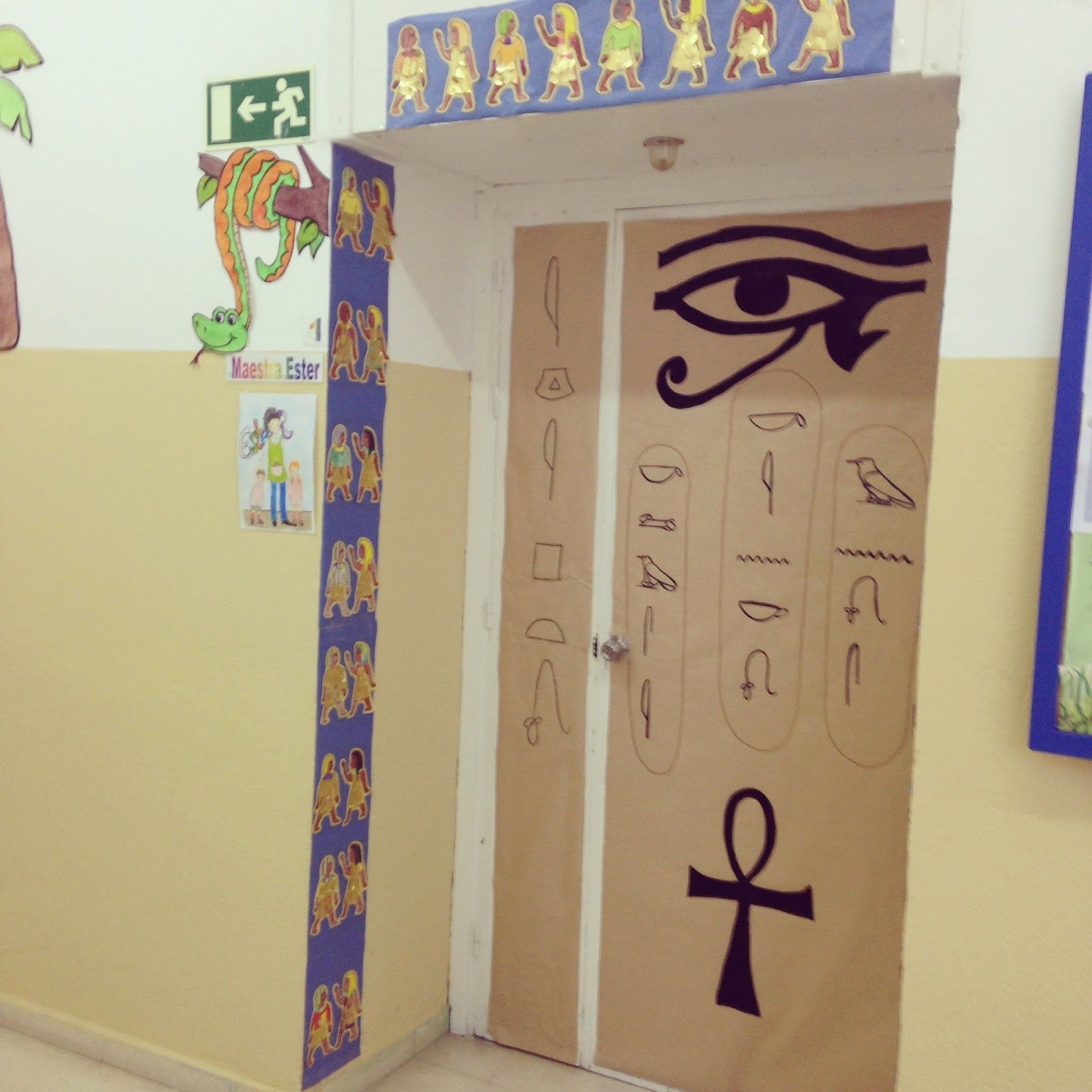 Decoracion colegio egipto buscar con google ancient for Decoracion puerta aula infantil