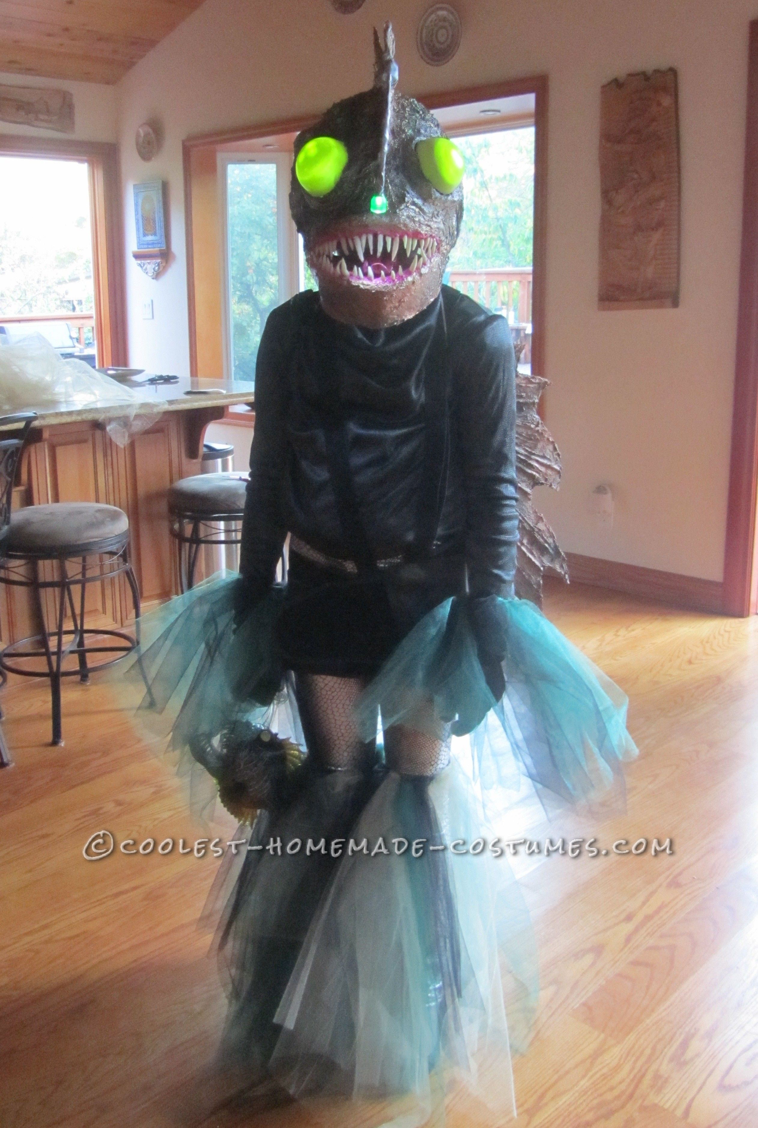 ferocious female angler fish costume diy for an 11 year old unterwasserwelt pinterest. Black Bedroom Furniture Sets. Home Design Ideas