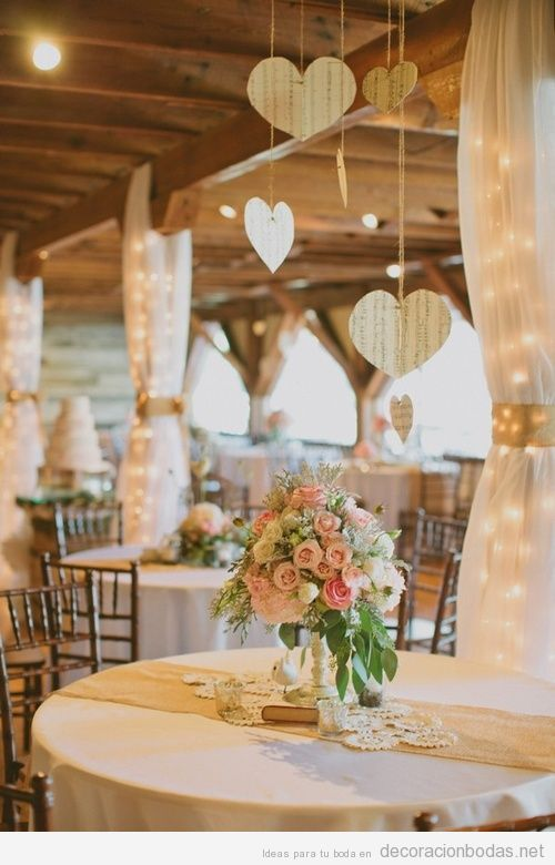 idea romántica y chic para decorar una mesa de boda | decoración