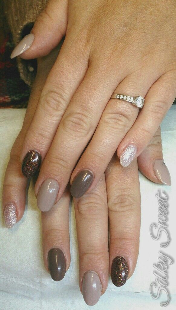Acrylic Overlays With Shellac Rubble And Field Fox Brown Holographic Glitter And Pink Glitter Acrylic With Gold Studs On Thumb Nails Brown Nails Shellac Nails