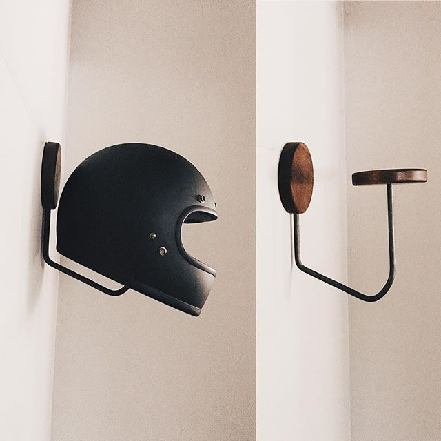 support casque de moto atelier garage pinterest. Black Bedroom Furniture Sets. Home Design Ideas