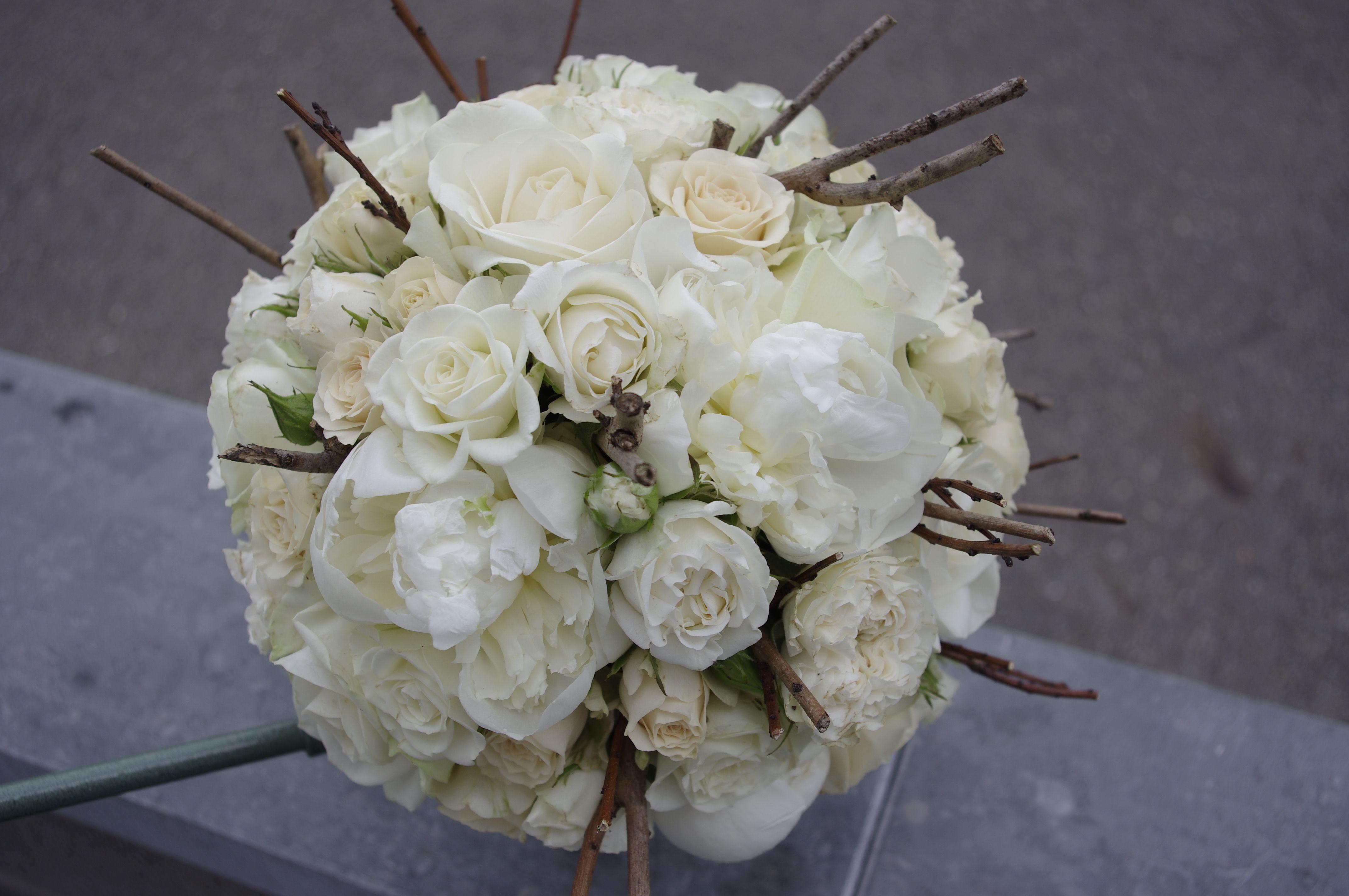 bouquet blanc pivoine rose mariée wedding branches