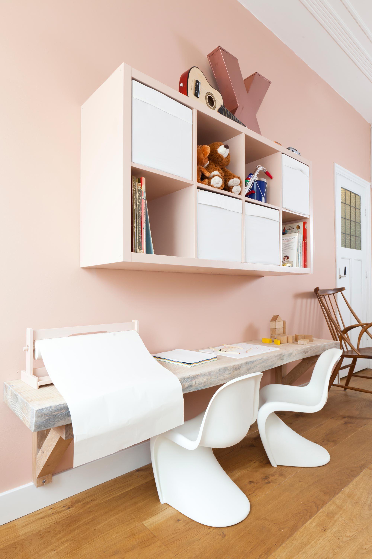 Leuk idee, vakkenkast in kleur van de muur verven | Kinderhoek ...