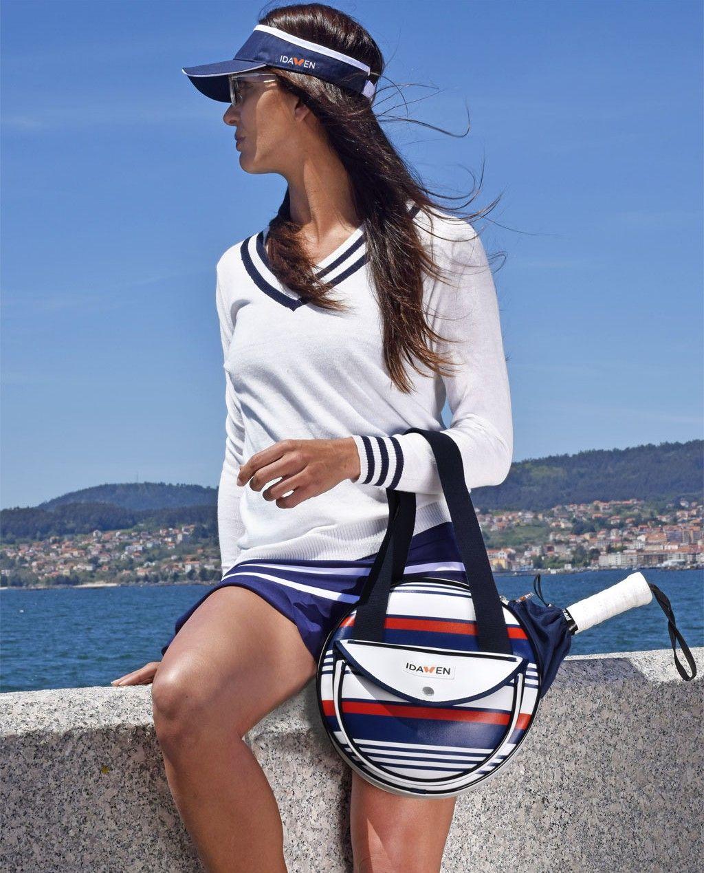 Bolsa de padel deportiva y fashion. Elegante y atemporal combinación de  rojo 4b158f6a0367