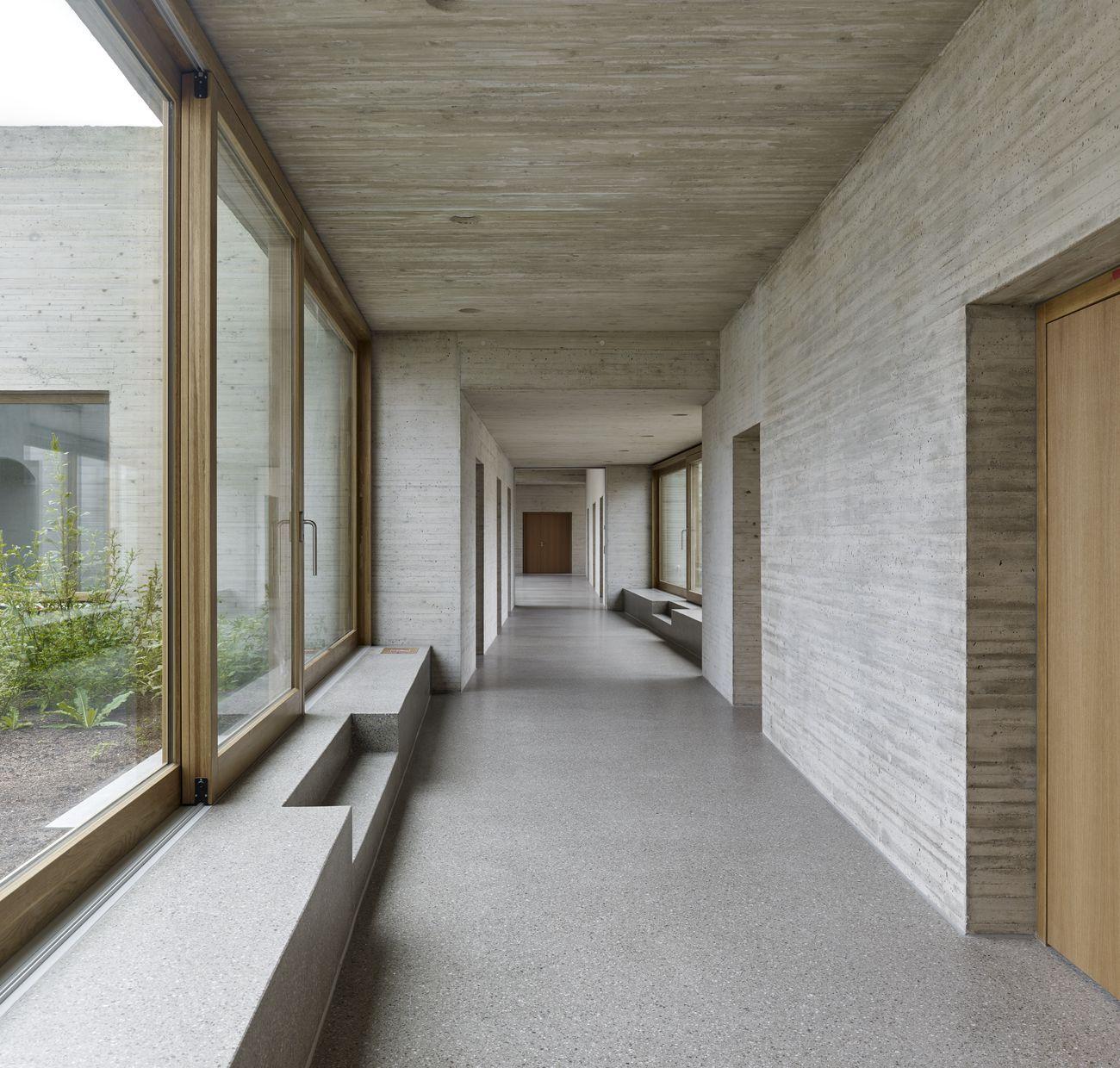 Mitte Des Jahrhunderts Moderne Häuser Erweiterung Umbau Und Sanierung  Schloss Wittenberg Deutschland