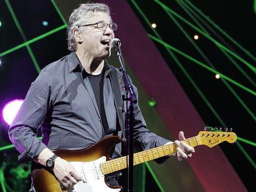 BERLIN, GERMANY - OCTOBER 31: American singer and guitarist