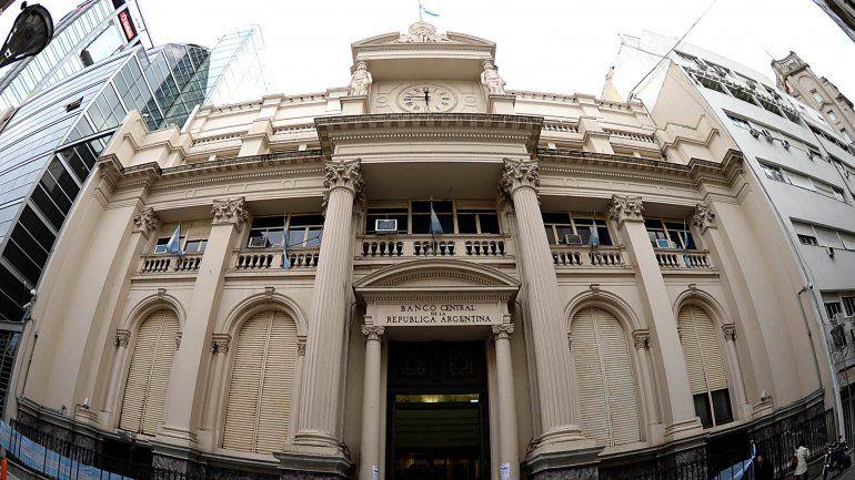 Los bancos ya no podrán cobrar para abrir cajas de ahorro