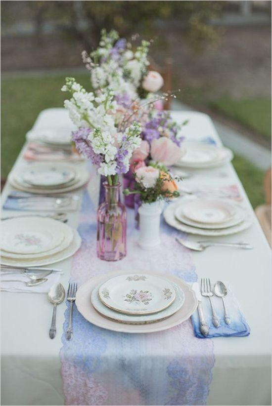 a relaxed garden soiree wedding in kiama wedding photography table centerpiece ideas wedding centerpiece idea; photo: Christine Sara Photography