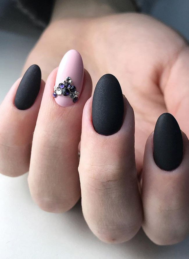 67 Short And Long Almond Shape Acrylic Nail Designs Awimina Blog Black Nails With Glitter Almond Gel Nails Almond Acrylic Nails