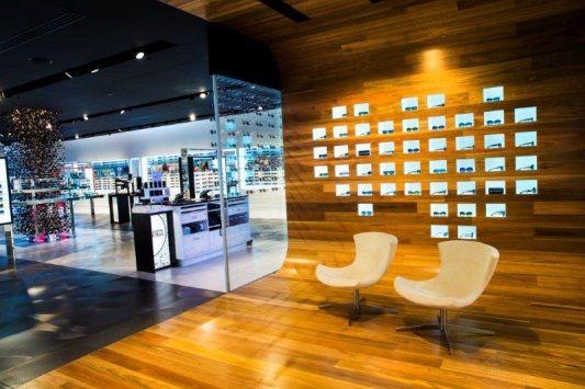 3216114c9c1 sunglass hut flagship store sydney - Buscar con Google