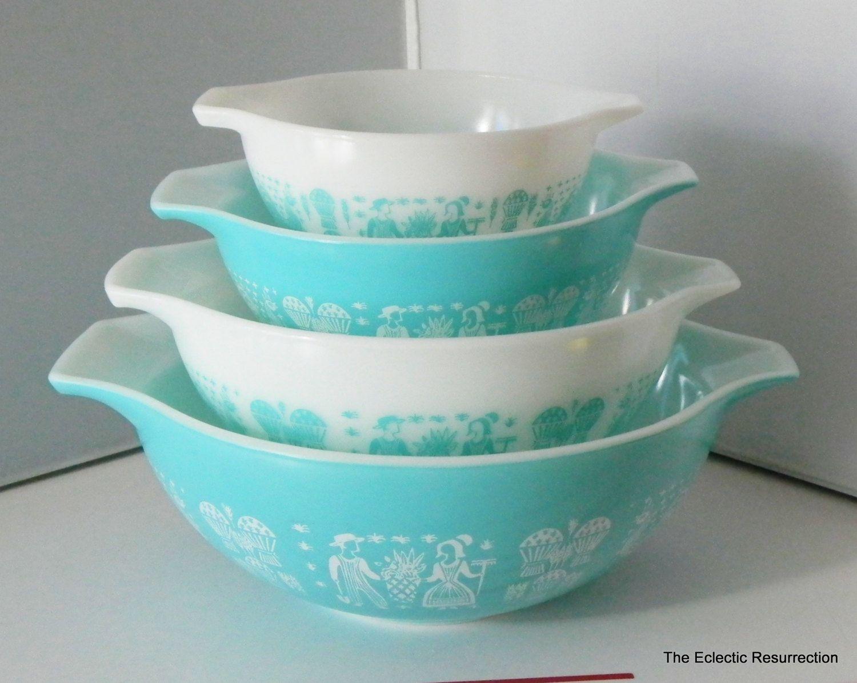 Vintage Pyrex Butterprint Cinderella Mixing Bowl SetPyrex