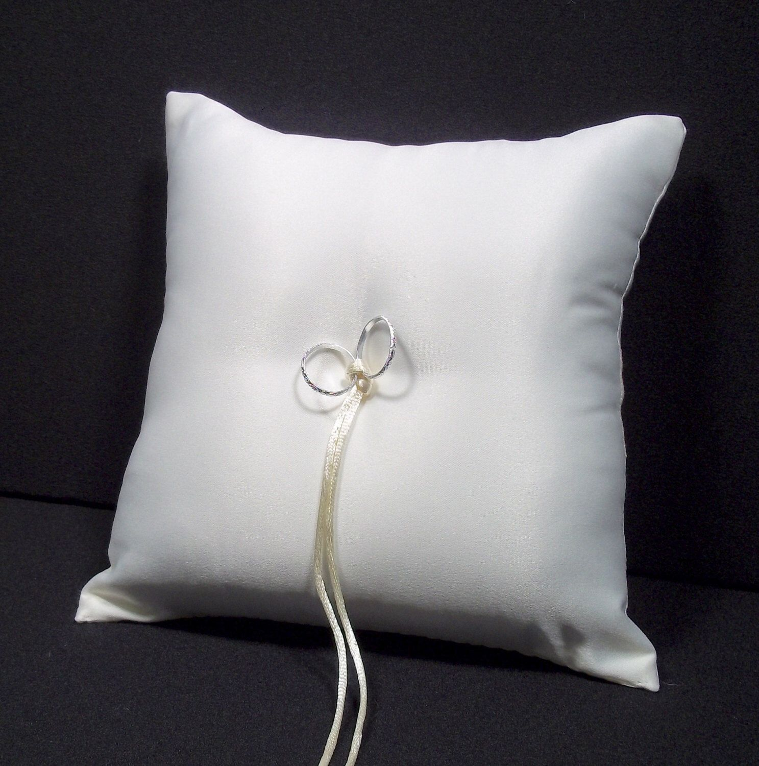 DIY White or Ivory Wedding Ring Bearer Pillow DECORATE YOURSELF! by Jessicasdaydream on Etsy https://www.etsy.com/listing/169179176/diy-white-or-ivory-wedding-ring-bearer