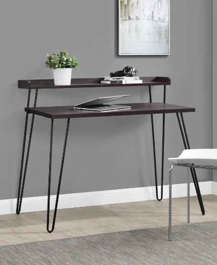 Need a sleek desk to fit in with your minimal decor? This one is ...