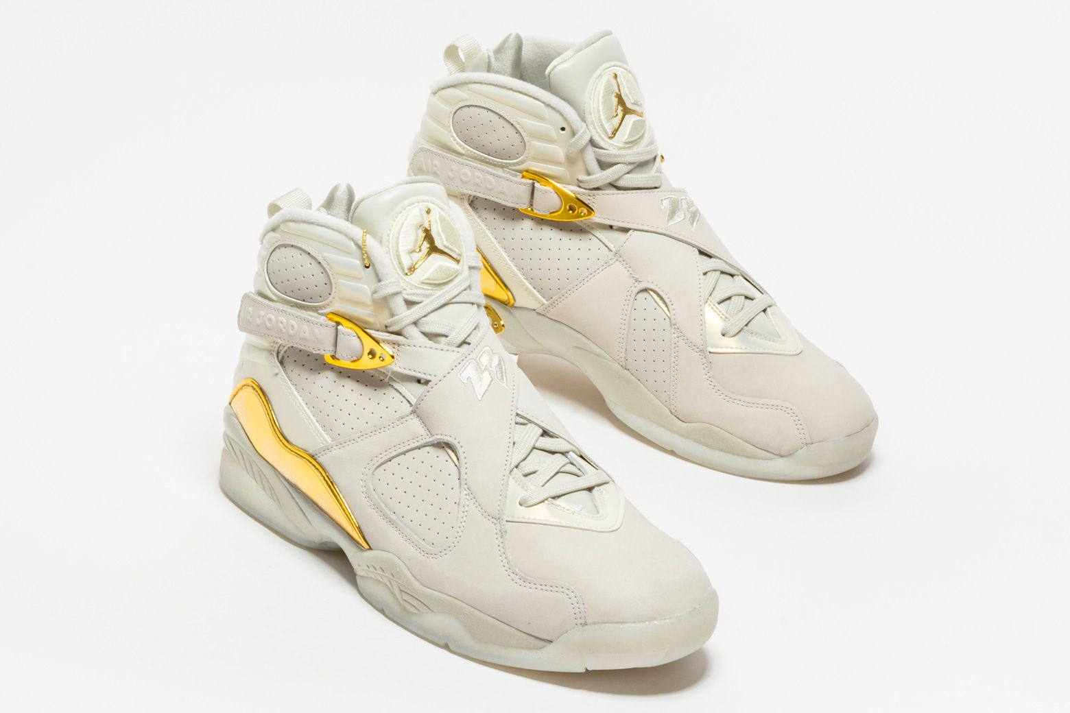 sale retailer c405d 0ca17 ... wholesale peep the shine on the metallic gold accents throughout the air  jordan 8 retro champagne