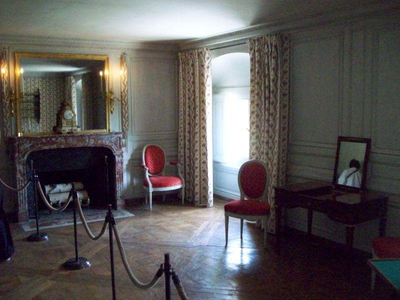 vos photos du petit trianon page 14 pt2 chambre dame. Black Bedroom Furniture Sets. Home Design Ideas