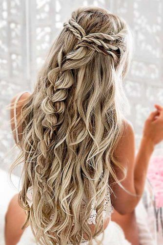 39 Totally Trendy Prom Hairstyles For 2020 To Look Gorgeous Braided Hairstyles For Wedding Wedding Hair Trends Prom Hairstyles For Long Hair