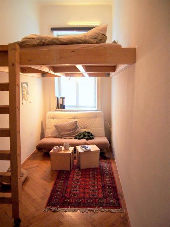 Dieses Gemütliche WG Zimmer Ist Ein Ort Zum Wohlfühlen. Der Kleine Raum  Wird Durch Das Eingebaute Hochbett Perfekt Genutzt! #einrichten #wgzimmer # Ideen