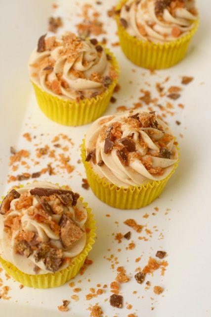 butterfinger cupcakes 2 by annieseats, via Flickr