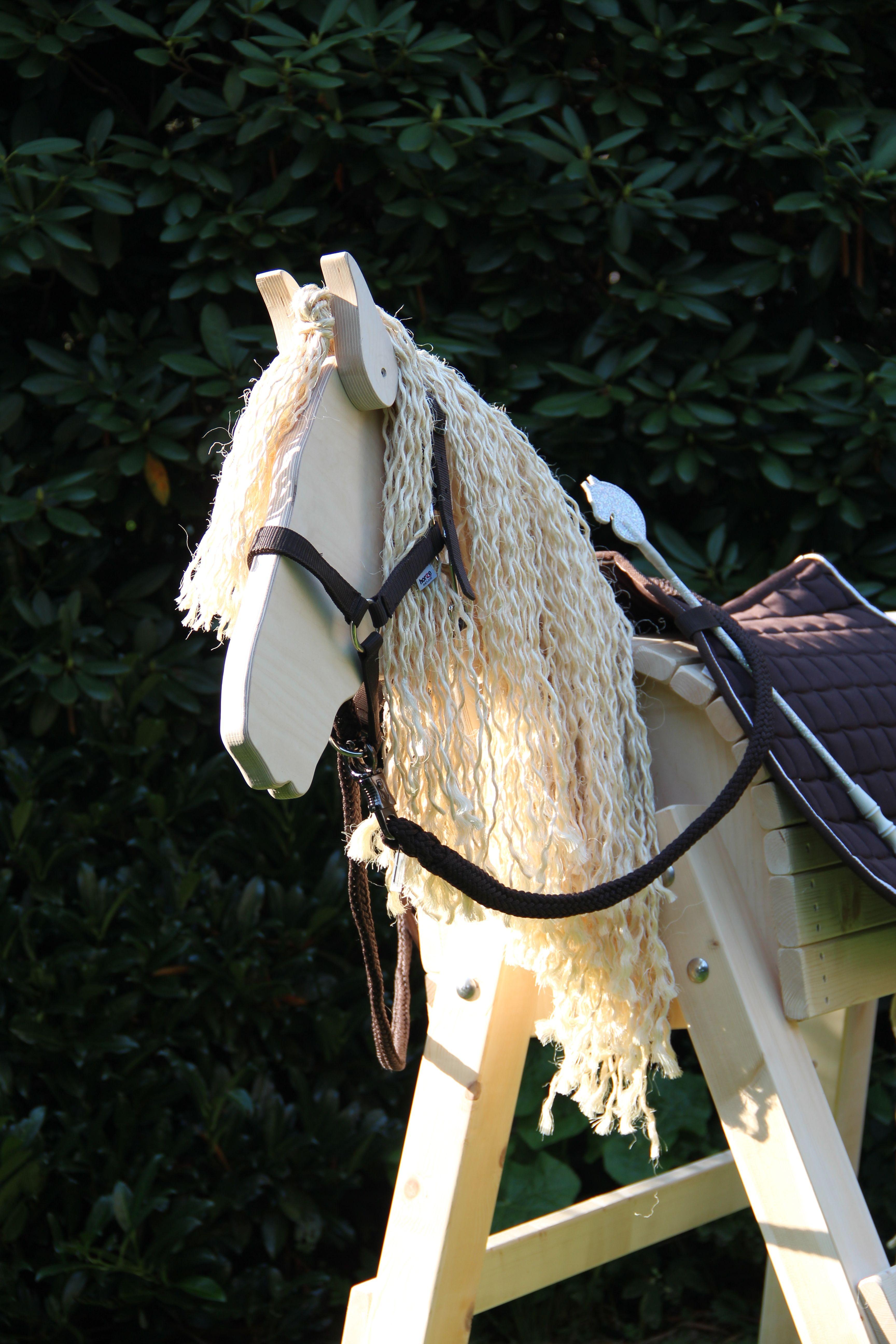 Endlich Mal Ein Schones Holzpferd Bei Dem Die Proportionen Stimmen Ein Holzpferd Wie Die Stabile Princess Von Der Firma Top Holzpferd Holzpferd Garten Pferd